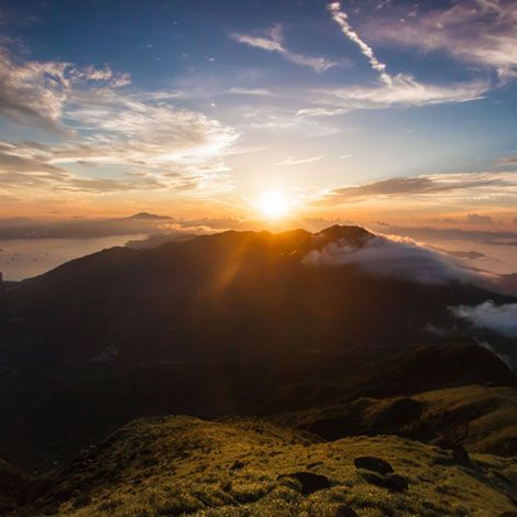 Lantau Peak Sunrise Climb   Book Tickets   kitmytrip