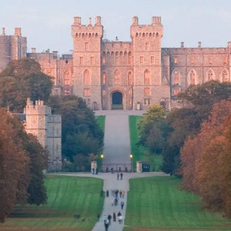 Windsor Castle, Stonehenge, and Oxford Day Tour from London | Tours & Travel Packages | KitMyTrip