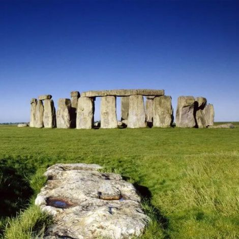 Stonehenge Tour from London | KitMyTrip